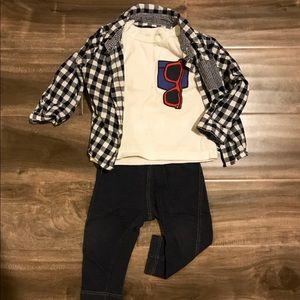 Gap sunglasses Tee+UNIQLO jeggins+gingham shirt
